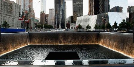 Memorial no Marco Zero, NY - onde estão gravados os nomes de todas as vítimas.