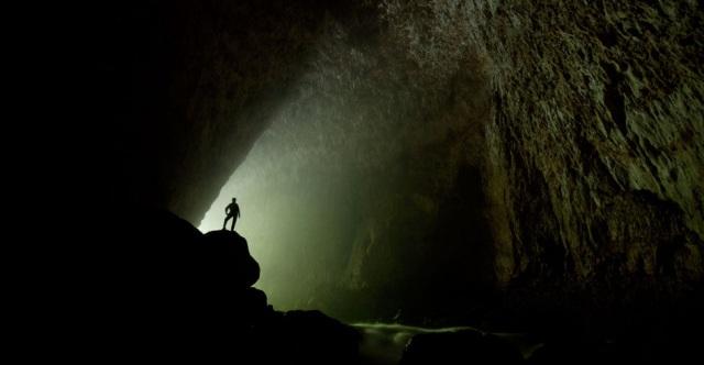 Para os aventureiros, vencer as adversidades da natureza e explorar o mundo subterrâneo das cavernas abaixo da superfície oferece um grande sentimento de satisfação e recompensa.